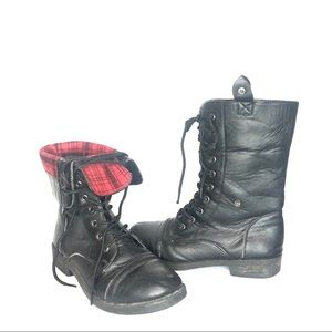 Anna Plaid Fold Over Combat Boots Black Red 6.5